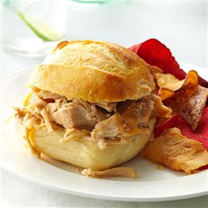 Slow Cooker Shredded Turkey Sandwiches Recipe