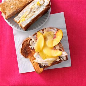 Smoky Gouda & Chicken Sandwiches Recipe