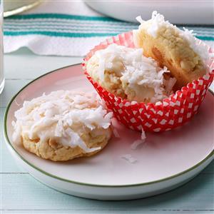 Snow-Topped White Chocolate Macadamia Cookies Recipe
