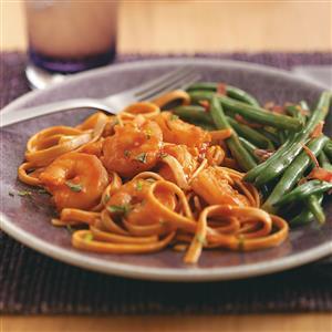 Spicy Tomato Shrimp Fettuccine Recipe