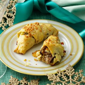Steak and Blue Cheese Crescents Recipe