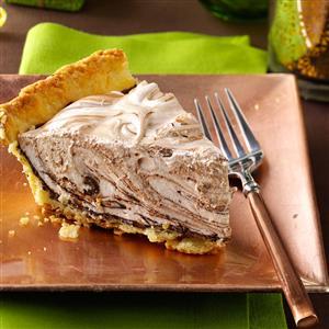 Swirled Chocolate Marshmallow Pie Recipe
