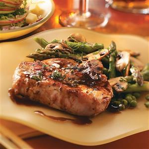Tender Maple-Glazed Pork Chops Recipe