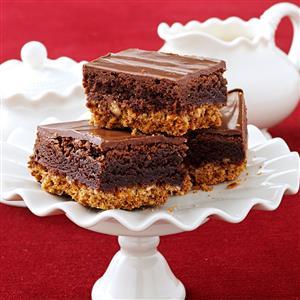 Triple-Layer Pretzel Brownies Recipe