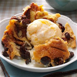 Slow Cooker Cinnamon Roll Pudding