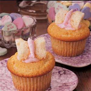 Fancy Cream Cupcakes
