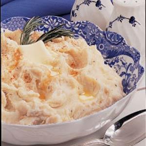 Garlic Roasted Mashed Potatoes