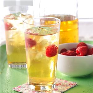 Refreshing Raspberry Iced Tea Recipe