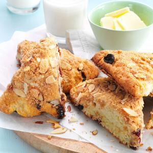 Cherry Almond Streusel Scones Recipe