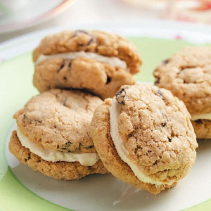 Oatmeal Sandwich Cremes Recipe