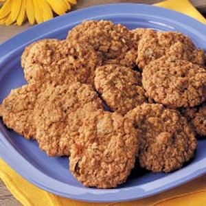 Golden Raisin Oatmeal Cookies Recipe
