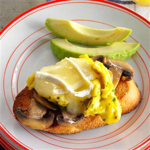 Mushroom-Avocado Eggs on Toast Recipe