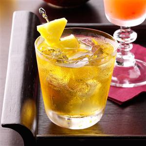 Pear-Apple Cocktail Recipe