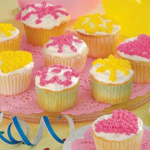 Cupcakes with Whipped Cream Frosting Recipe