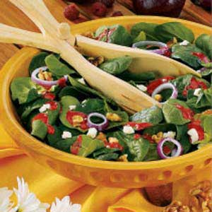 Walnut-Cheese Spinach Salad Recipe