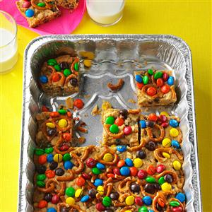 Trail Mix Blondie Bars Recipe