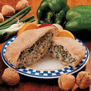 Nutty Chicken Pita Sandwiches Recipe
