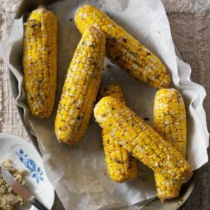Buttery Horseradish Corn on the Cob Recipe