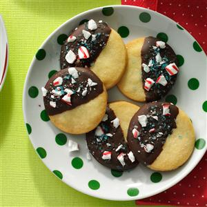 Mint-Chocolate Dipped Shortbread Cookies Recipe