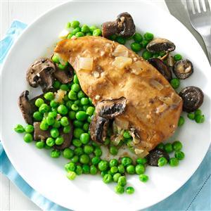 Slow Cooker Mushroom Chicken & Peas Recipe