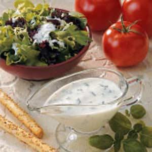 Buttermilk Basil Salad Dressing Recipe