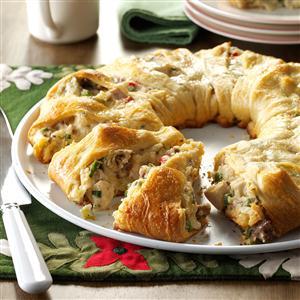 Holiday Chicken & Sausage Wreath Recipe