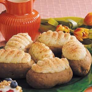 Garlic Twice-Baked Potatoes Recipe