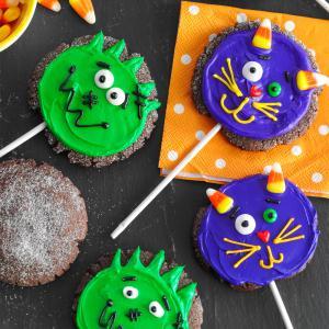 Halloween Chocolate Cookie Pops Recipe