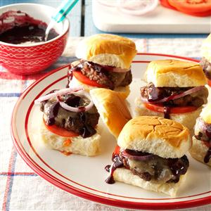 Sliders with Spicy Berry Sauce Recipe
