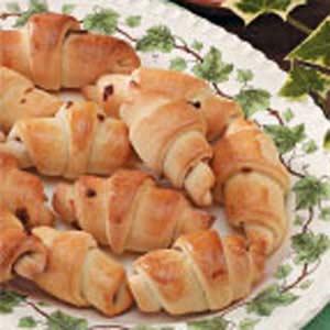 Bacon-Onion Crescent Buns Recipe