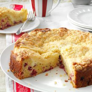 Creamy Cranberry Coffee Cake Recipe
