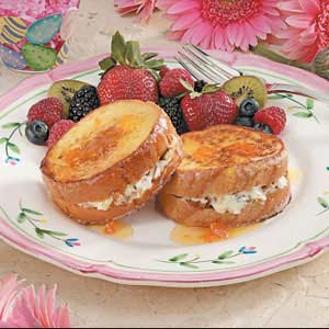 Stuffed French Toast with Apricot Syrup Recipe