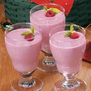 Raspberry Cream Smoothies Recipe