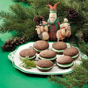 Chocolate Mint Whoopie Pies Recipe