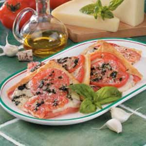 Fresh Tomato Basil Pizza Recipe
