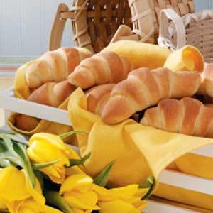 Golden Buttery Crescent Rolls Recipe