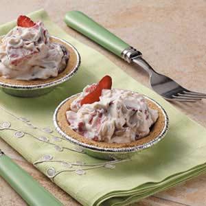 Strawberries 'n' Cream Tarts Recipe