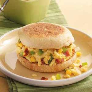 Spicy Scrambled Egg Sandwiches Recipe