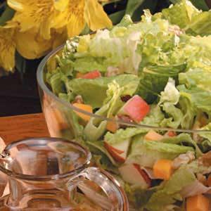 Apple-Cheddar Tossed Salad Recipe
