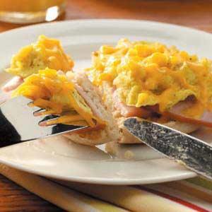 Egg 'n' Bacon Sandwiches Recipe