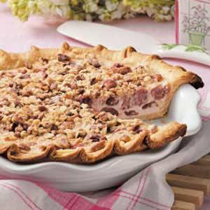 Cherry-Cream Crumble Pie