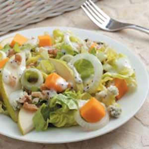 Pear Blue Cheese Salad Recipe