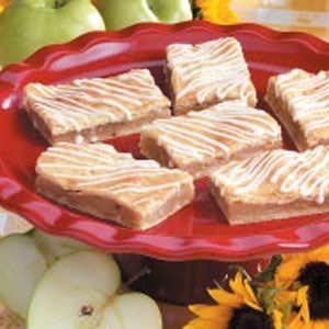 Potluck Apple Pie Bars Recipe