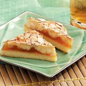 Almond Apricot Bars Recipe