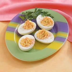Quick and Creamy Deviled Eggs Recipe