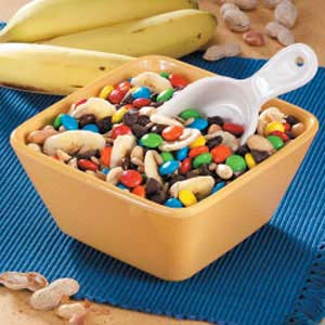 Chocolate 'n' More Snack Mix