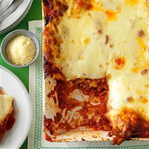 Hearty Sausage and Cheese Lasagna Recipe