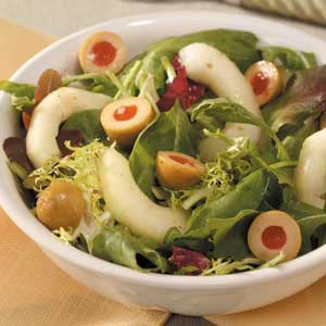 Olive-Cucumber Tossed Salad