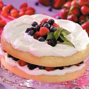 Genoise with Fruit 'n' Cream Filling