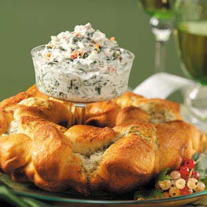 Dilly Cheese Ring with Spinach Dip Recipe